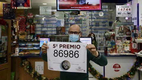 El 86986, un quinto premio, muy repartido por Galicia.El 86986 también se vendió en Vigo, en una administración de la calle Urzáiz.