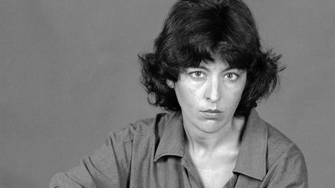 Retrato da poeta Xela Arias (Sarria, 1962-Vigo, 2003), á que se lle dedican as Letras Galegas do 2021