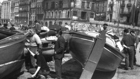 MARZU. Repintando lanches nel muelle, 1964