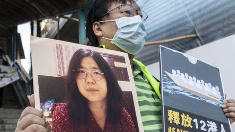 La periodista ciudadana china Zhang Zhan fue condenada hoy a cuatro años de prisión por «provocar altercados y buscar problemas» debido a sus informaciones sobre el primer brote del coronavirus en Wuhan