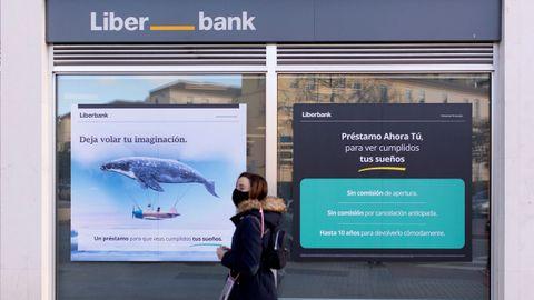 Fachada de una sucursal de Liberbank en Málaga