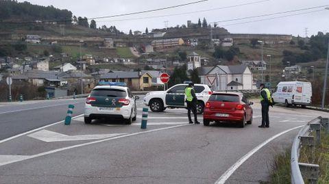 La Guardia Civil montó un control de movilidad en Vilamartín de Valdeorras