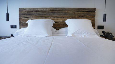 Optaron por camas gandes, en habitaciones en las que quieren que prime el concepto orgánico