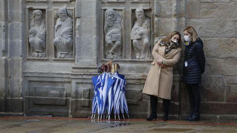 La lluvia dio un respiro durante los actos de la apertura de la Puerta Santa en la catedral de Santiago, algo que incluso agradeció el arzobispo Julián Barrio