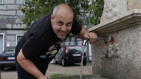 Juan Molina, en una foto de archivo del mes de junio, se recupera en Bande