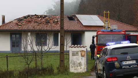 La casa en la que se declaró el incendio está situada en el lugar de Xulaxasa, en Figueiras (Santiago)