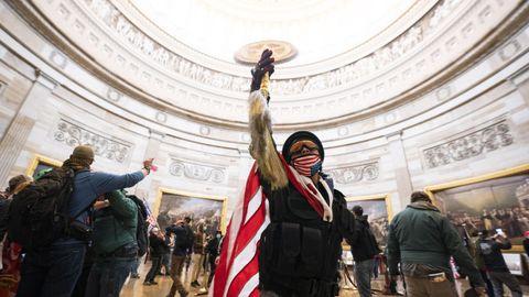 Seguidores de Trump rompen la seguridad del Capitolio