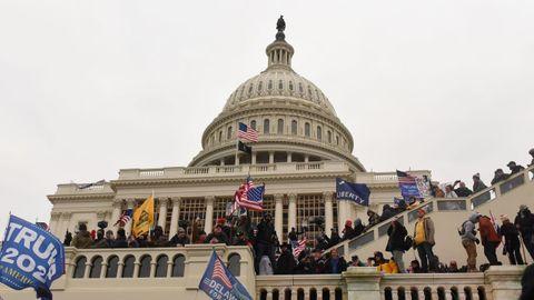 Seguidores de Trump en el Capitolio