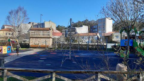 A lo largo de este año el Concello de Arteixo comenzará a cubrir algunos parques, empezando por la zona de columpios junto al centro cívico