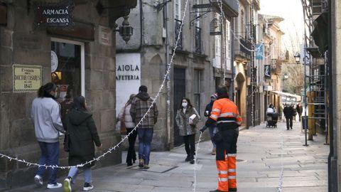 Retirada del alumbrado navideño en Santiago
