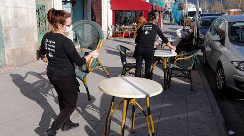 Moaña es uno de los municipios que estrenan las máximas restricciones hoy, lo que solo permite a las cafeterías servir en las terrazas