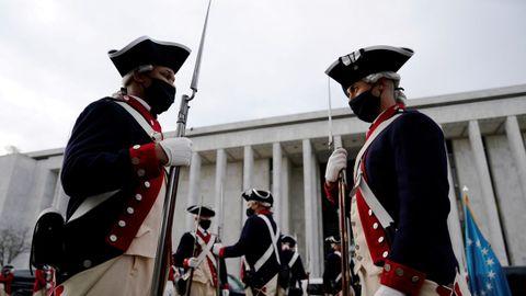 Miembros de la Guardia de honor, en un ensayo para la investidura de Joe Biden