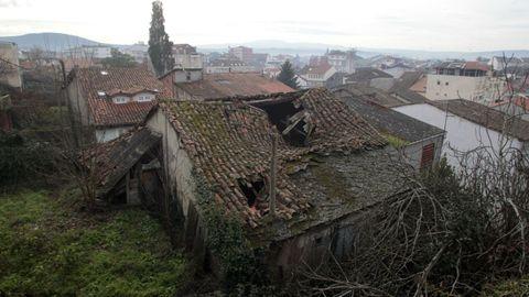 La cubierta del inmueble de A Calexa, vista desde el atrio de A Régoa