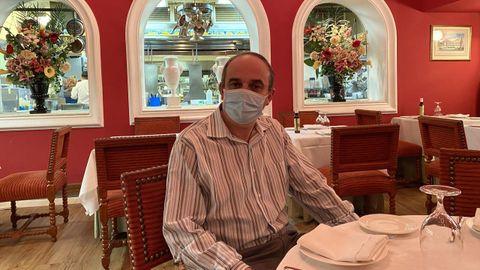 Ramón Pereira lleva 25 años como mánager de la Taberna del Alabardero, situada a dos manzanas de la Casa Blanca