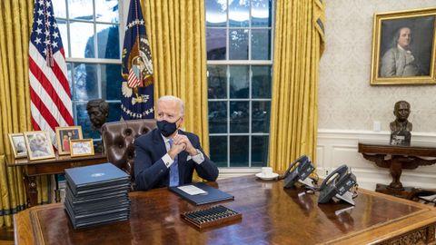 Biden, en el despacho oval