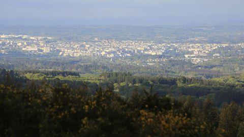 Vista de Lugo desde el Alto do Picato