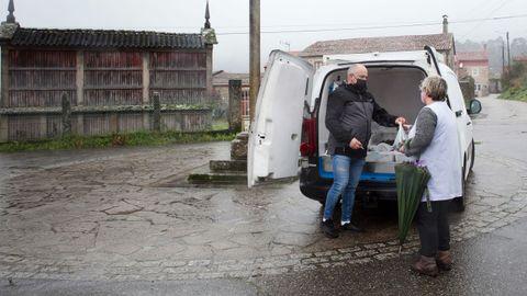 Muchos vendedores hacen cientos de kilómetros al día para servir a su clientela