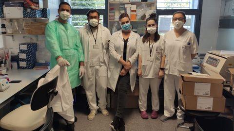 Investigadores de la estación depuradora de Bens que analizan la presencia del coronavirus en las aguas residuales de A Coruña y cuatro municipios del área metropolitana