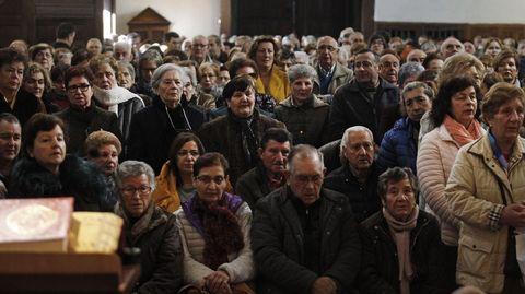 Así de llena estaba la iglesia de A Régoa en la misa de San Blas del año pasado. Faltaba un mes y medio para que se decretase el estado de alarma
