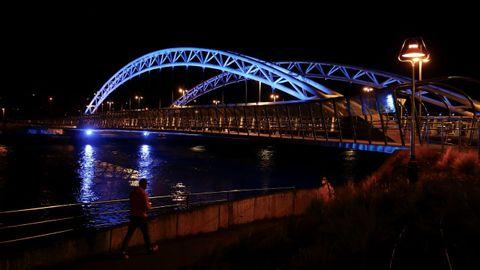 Nueva iluminación ornamental del puente de As Correntes, en Pontevedra
