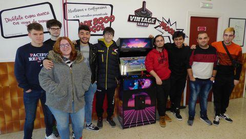 Los alumnos del instituto A Pinguela que desarrollaron el proyecto premiado
