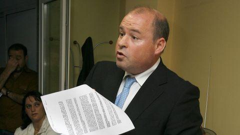 El abogado José Manuel Roibás cuenta con uno de los despachos más importantes de Santiago