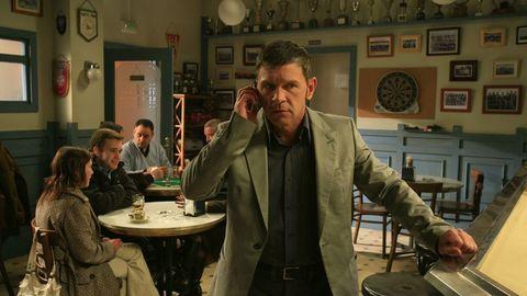 Luis Iglesia, como Carmelo en la serie «Matalobos»