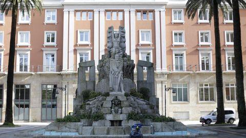 Monumento a Curros en los jardines de Méndez Núñez