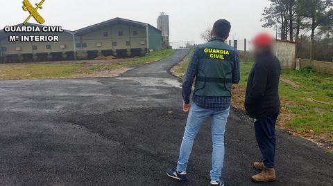 Fotografía difundida por la Guardia Civil de la granja en la que se produjo la estafa