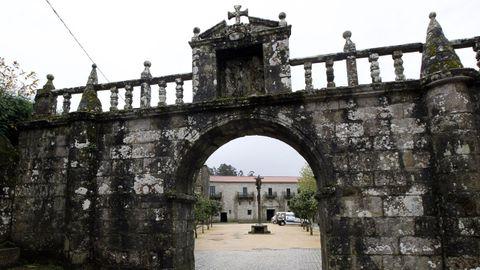 El monasterio de Armenteira la joya románica que nos encontramos al final de la ruta da Pedra e da Auga