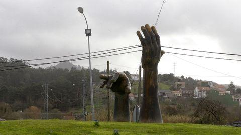 Escultura de Ramón Conde en las Carolinas