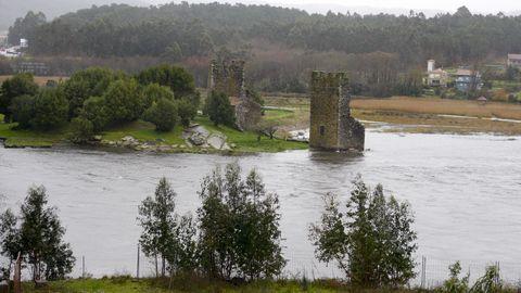 Las Torres son la visita obligada en Catoira