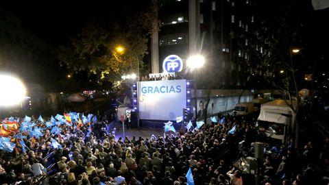 DICIEMBRE 2015. El presidente del PP Mariano Rajoy celebra desde la sede de Génova los resultados electorales del 20D, en unos comicios en los que el PP logró 123 escaños