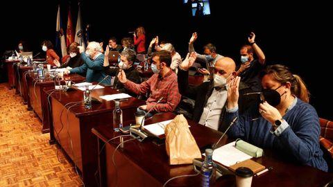 El pleno municipal rechazó las alegaciones y aprobó definitivamente el presupuesto con los votos a favor de BNG y PSOE