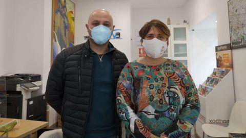 Antonio Piñeiro, de Eume Viajes, y Loreto García, de la carnicería Súper Pepucha, los dos en Pontedeume