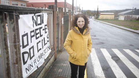 Susana Ferreiro recuerda que el alcalde quiere cerrar en Baamonde el colegio, tras marcharse una oficina bancaria a Friol y otra a Rábade, perder una ambulancia y tener cerrado un centro médico