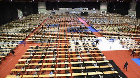 Examen de oposición del Sergas celebrado en Silleda el año pasado, antes de la irrupción de la pandemia