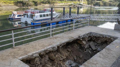 Zanja excavada en una de las zonas en las que serán ubicados los sistemas de depuración