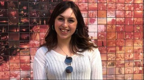 Elisa Piñón cursa un  máster de Estudios Internacionales en Barcelona