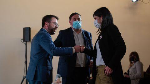 El vicepresidente en funciones de la Generalitat, Pere Aragonès, el líder de ERC, Oriol Junqueras, y la secretaria general adjunta, Marta Vilalta, ante de una rueda de prensa el pasado viernes en Barcelona