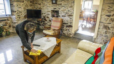 Interior de una de las estancias de la Casa Rural Pantín, situada junto a esta playa de Valdoviño