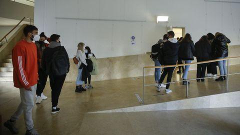 A Facultade de Ciencias da Comunicación é das que presenta un maior uso do galego nos seus títulos