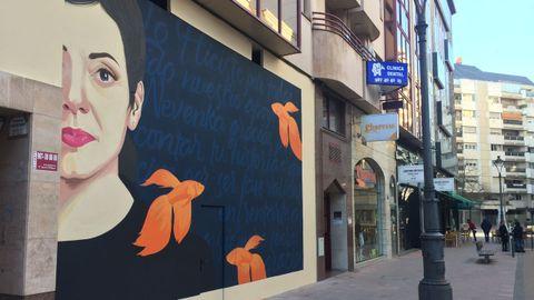 El mural sobre Nevenka se colocó en una calle céntrica y comercial