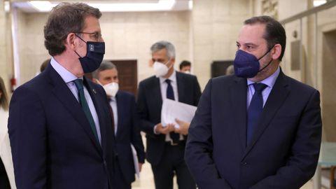 Comparececencia de Feijoo y Ábalos tras su reunión en la sede del Ministerio