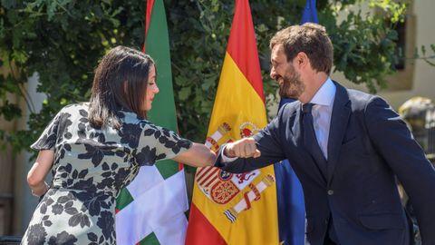 El líder del PP, Pablo Casado, y la de Ciudadanos, Inés Arrimadas, en un acto de campaña en las elecciones vascas