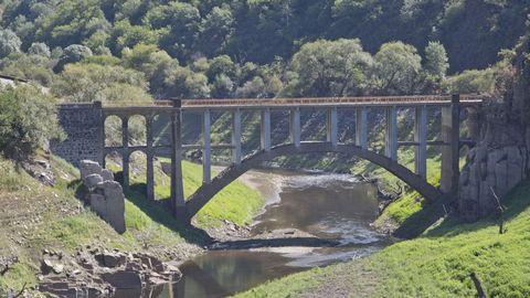 Terras de Burón: puente de Boabdil, en Negueira de Muñiz