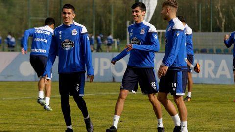 Los canteranos Valín, Villares y Gandoy, en un entrenamiento