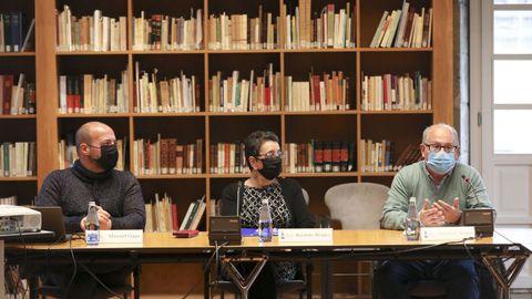 Manuel Gago, Rosario Álvarez e Fernando Arribas, na presentación do proxecto na sede compostelá do Consello da Cultura Galega