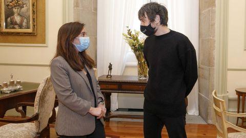 La alcaldesa de A Coruña, Inés Rey, y el productor musical, Raül Refree