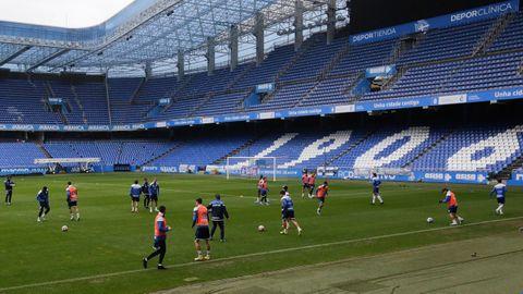 El Deportivo volvió a entrenar a puerta cerrada en Riazor antes de medirse al Celta B